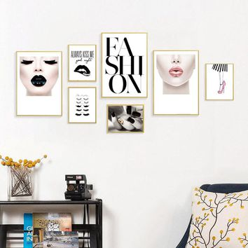 Nordic Fashion Girl Wall Art Canvas Poster and Print Sexy Lips Canvas Painting Decorative Picture for Makeup Room LY0016