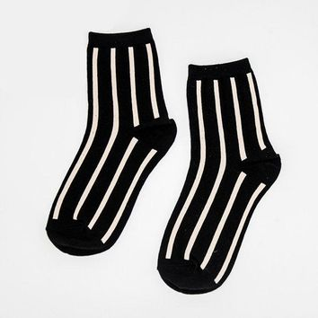 Cottom Thickening Stripe Middle Tube Socks