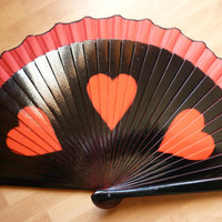 Scalloped Edge 3 Heart Silhouette Red and Black Hand Fan