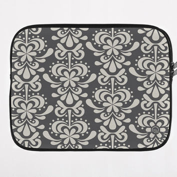 carry-all clutch -fleur feliz