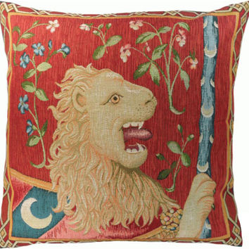 Le Lion Medieval  European Cushion
