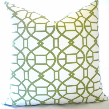 Trellis pillow cover white and green, fabric both sides 18 x 18