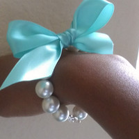 Gossip girl and Breakfast at Tiffany's Inspired Pearl Bracelet