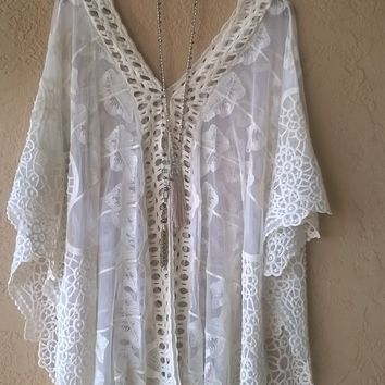 Free People Lace and crochet gypsy romantic cape sleeve bohemian tunic