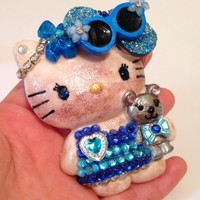 Beach Bum Bling Hello Casting Kitty Pendant