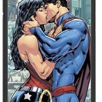 wonder woman kissing superman for iPhone 4 4s 5 5s 5c and 6 Case Cover = 1946279492