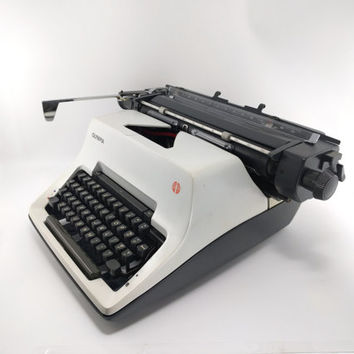Reconditioned Olympia SG3 Vintage Typewriter - Working Standard Typewriter - Very Good Condition