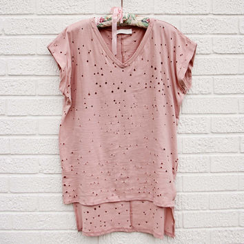 Finley Distressed Tee in Mauve