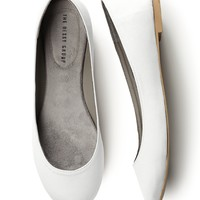 Simple Satin Ballet Flat in White