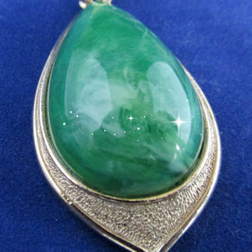 Sarah Coventry Faux Jade Tear Drop Pendant | Green | Gold
