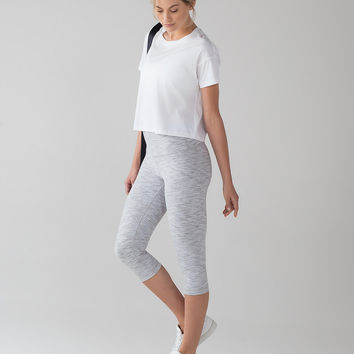 Wunder Under Hi-Rise 1/2 Tight *Luxtreme 17"