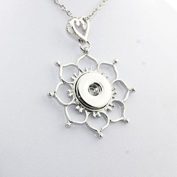 Boom Life Flower Pendant Necklace