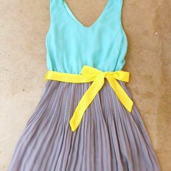 Clearwater Colorblock Dress in Mint [2540] - $33.60 : Vintage Inspired Clothing & Affordable Fall Frocks, deloom | Modern. Vintage. Crafted.