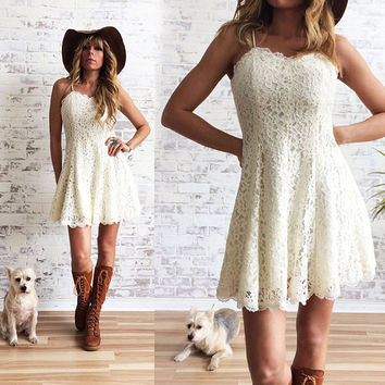 Vintage 1970's 1980's LACE Mini Dress || Baby Doll Boho Dress ||  Stevie Nicks Style || Size XS to S || Size 2 to 4