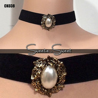 Goth Black Velvet Ribbon Choker Necklace with Vintage Victorian Peral Charm CK038