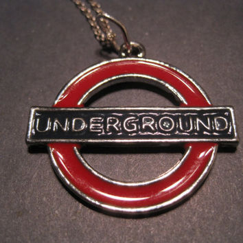Mind the Gap London underground necklace by CommodityOddity