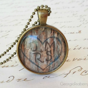 Tree Carving Initials, glass dome necklace, personalized necklaces, gift ideas, wedding party, Christmas, customized gift, key ring, gifts