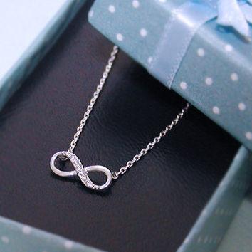 Infinity necklace in silver- bridesmaid gifts, birthday gift