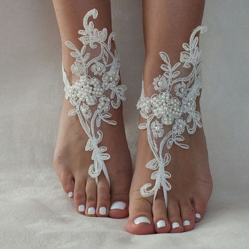 Ivory lace Anklet barefoot sandals, FREE SHIP, beach wedding barefoot sandals, belly dance, lace shoes, bridesmaid gift, beach shoes