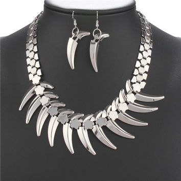 Silver Wolf Tooth Shape Necklace and Earrings