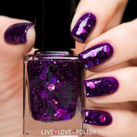 Emily de Molly Cosmic Forces Nail Polish