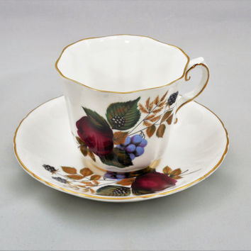 Royal Grafton Tea Cup and Saucer, Vintage Royal Grafton, 1960s Tea Cup and Saucer Bone China, Made In England China, Fruit and Berries