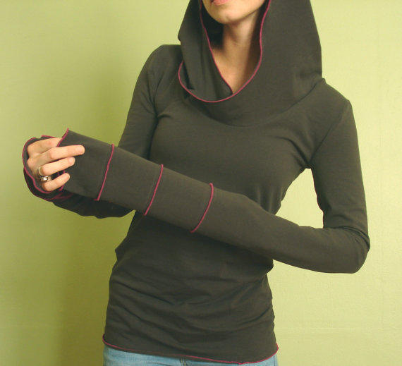 extra long sleeved hooded top Cement and Fuchsia