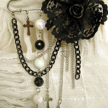Gothic Boutique Twinkle Jewel Pin Brooch
