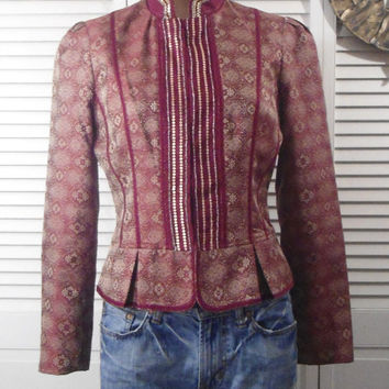 Size 8 Womens Vintage Red Beaded Sequins Faux Tapestry Crop Coat hippie boho gypsy cowgirl glam style jacket clothing clothes shoulder pads