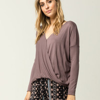 LIRA Modern Womens Top