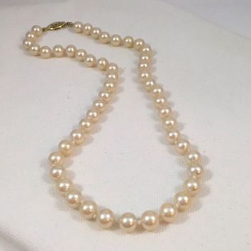 Pearl necklace, vintage cream pearls, single strand pearls, knotted pearl necklace classic pearls wedding pearls ivory pearls 18 inch pearls