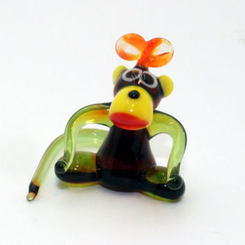 Glass bow Monkey Figurine Ape Figurine Glass Figure miniature glass lampwork glass monkey sculpture monkey figurine new year gift(015)