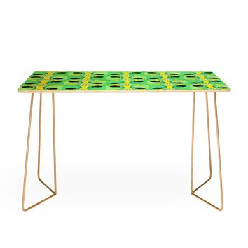 Chobopop Sad Alien And Daisy Pattern Desk