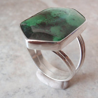 Maw Sit Sit Jade Sterling Silver Ring Vintage Estate