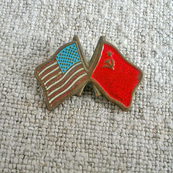 Vintage brooch or pin 1975, USA USSR flags, Pin Badge,  Vintage, Art & Collectibles, Jewelry, Brooch, Souvenir, My Wealth