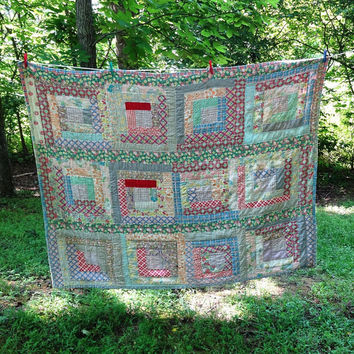 Vintage 1940s Log Cabin Patchwork Quilt with Beautiful Fabrics