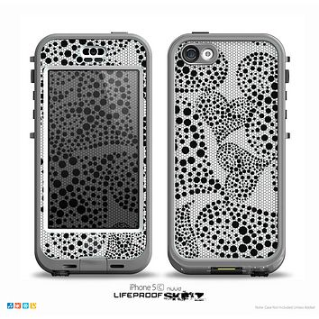 The Black and White Spotted Hearts Skin for the iPhone 5c nüüd LifeProof Case