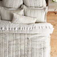 Draped Wisteria Quilt in Light Grey