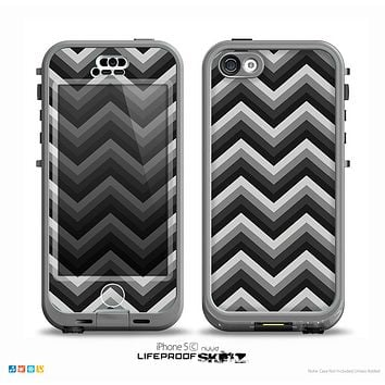 The Black Grayscale Layered Chevron Skin for the iPhone 5c nüüd LifeProof Case