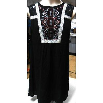 Xhilaration Women's Sleeveless Embroidered Front Shift Dress, Black, Small