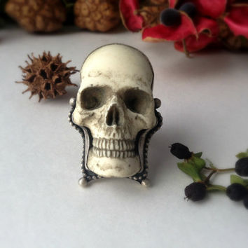 gothic skull ring, sterling silver, memento mori ring, human skull replica, victorian inspired jewelry, size 9.5 ring, cocktail ring