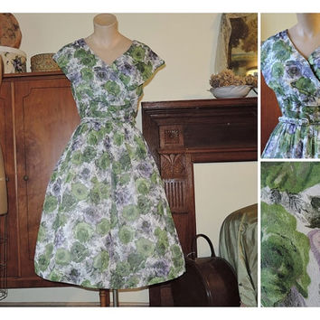 Green and Purple Floral Dress with Shawl Collar - fits 40 bust - Vintage 1950s Voile