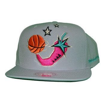 ONETOW Mitchell & Ness 1996 NBA All Star Chili Pepper Snapback In Grey