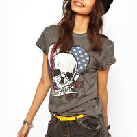 Dark Gray Wild at Heart Skull Print Rivet Short Sleeve T-Shirt