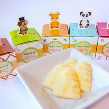 Beehive & Bees Sugar Cubes Baby Shower Favors / Baby Shower Gifts: 5 Cute Favor Boxes (Sailboat, Giraffe, Panda, Owl, Dog, Cat)