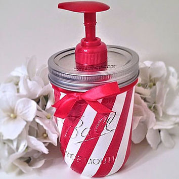 Christmas soap dispenser, bathroom decor, christmas decor, holiday decor, mason jar, mason jar soap dispenser, christmas