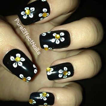 Black and Yellow Daisy Nails