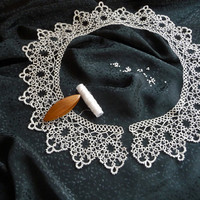 Handmade Collar - white collar - lace collar - feminine accessories - elegant collar - vintage style - tatting - for woman - for her