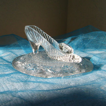 FREE SHIPPING! Cinderella Glass Slipper with Oleg Cassini Crystal and Indian Tiara Pillow Plate, Romantic Gift for Her