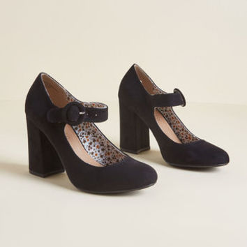 Fame of Reference Block Heel in Black
